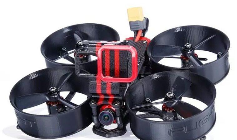 アクロバティックな空撮を可能とするドローン
